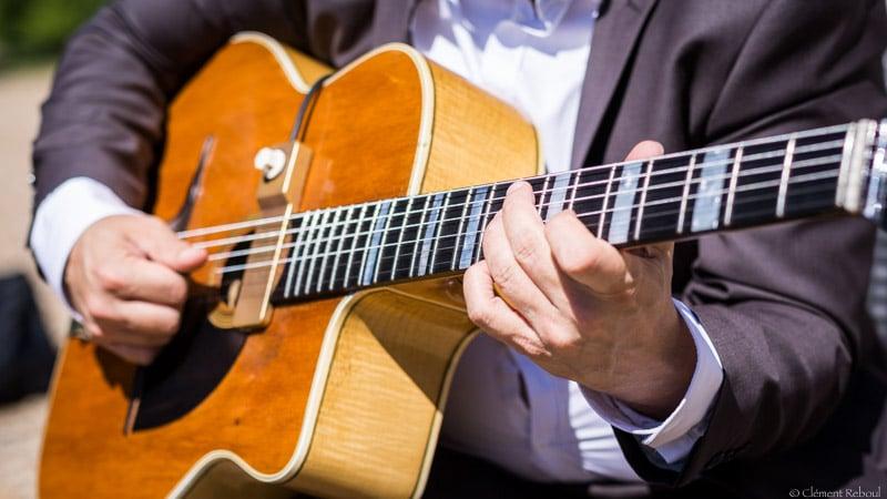 comment-bien-choisir-sa-guitare-favino-busato-1