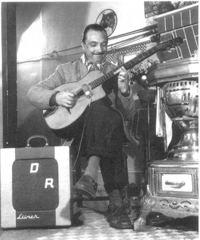 Django Reinhardt et le micro Stimer Yves Guen ST 48